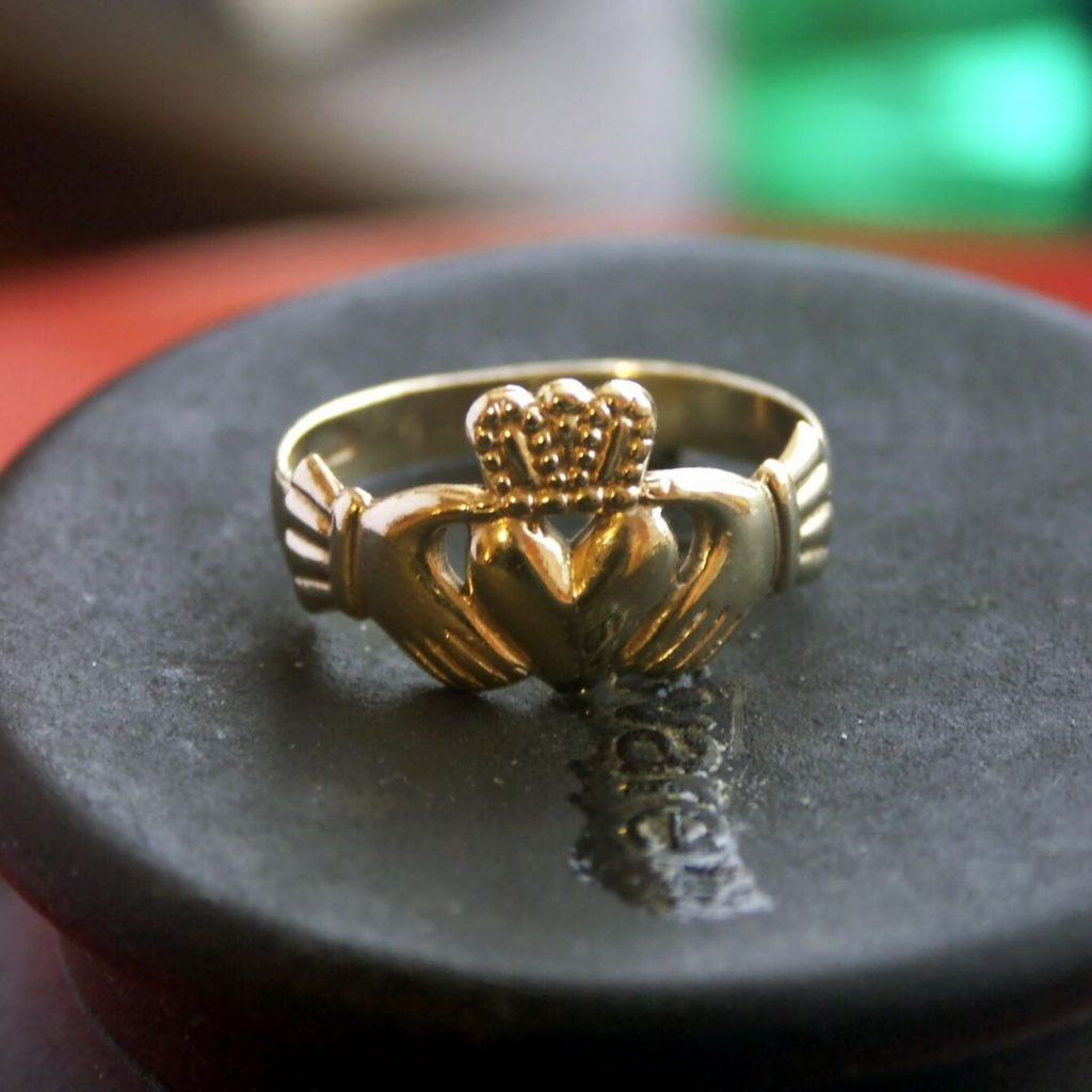 A traditional Claddagh ring is a great souvenir from your two days in Galway