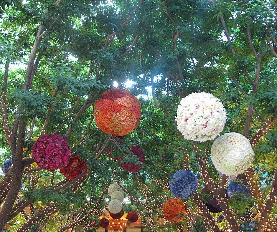 The Botanical Gardens at the Bellagio Conservatory are a great free thing to do in Las Vegas